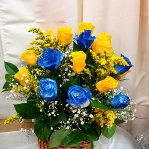 Basket yellow and Blue roses 55.00